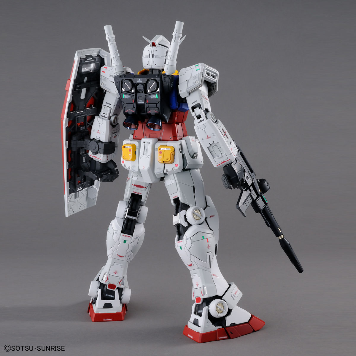 PG UNLEASHED 1/60 RX-78-2 ガンダム 02